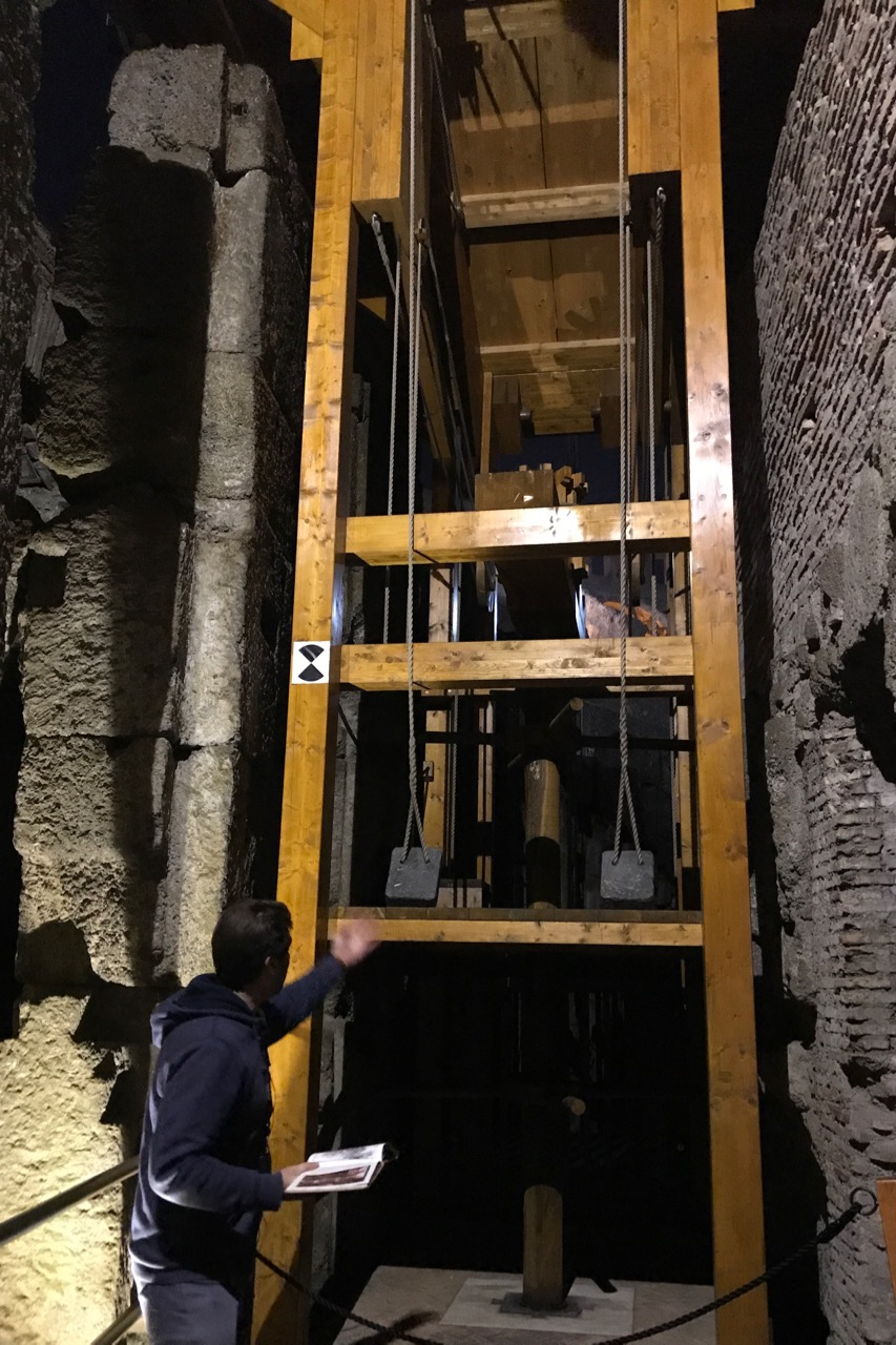 lift in colosseum hypogeum