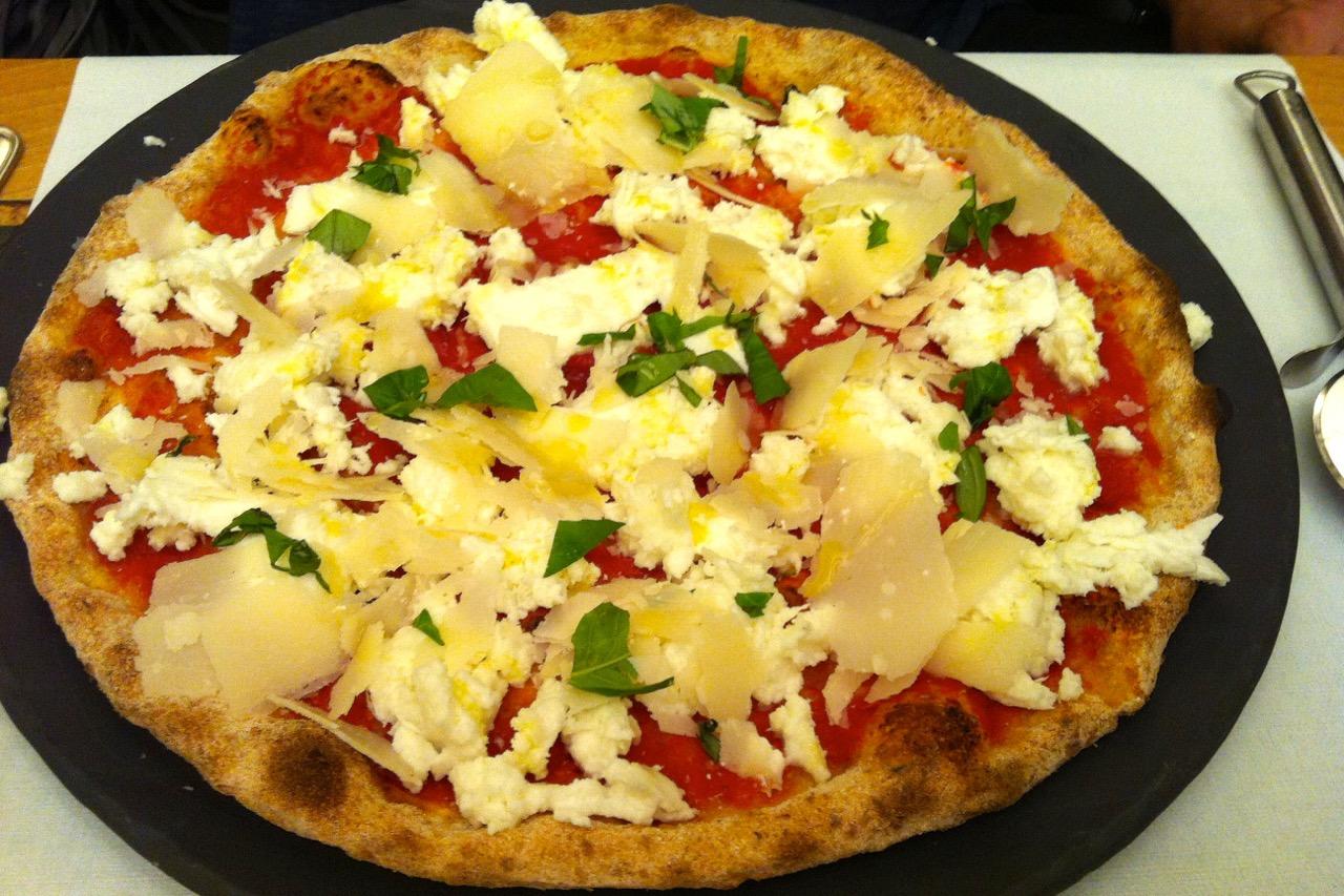fresh margherita pizza ciampini bistrot
