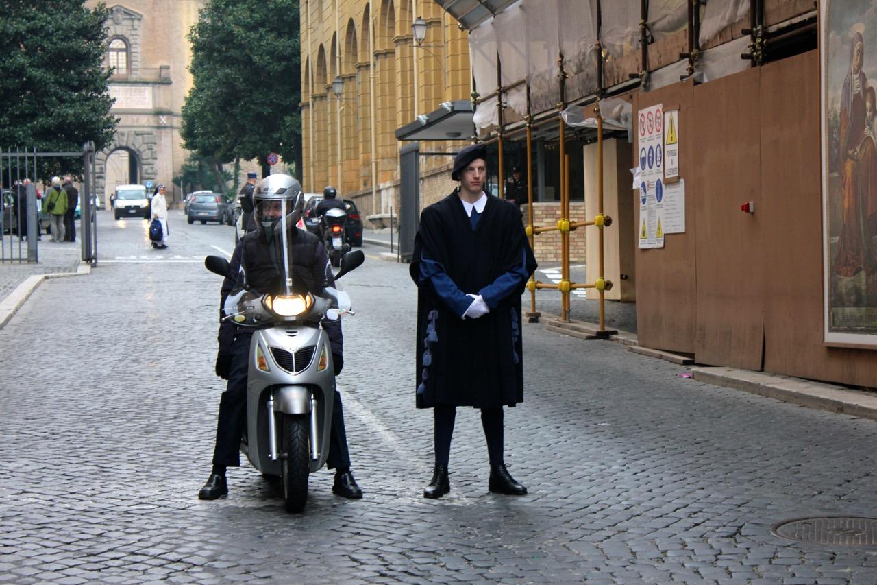 swiss guard at vatican city