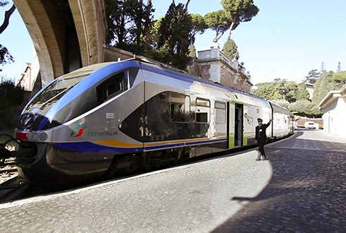 train to castel gandolfo from vatican