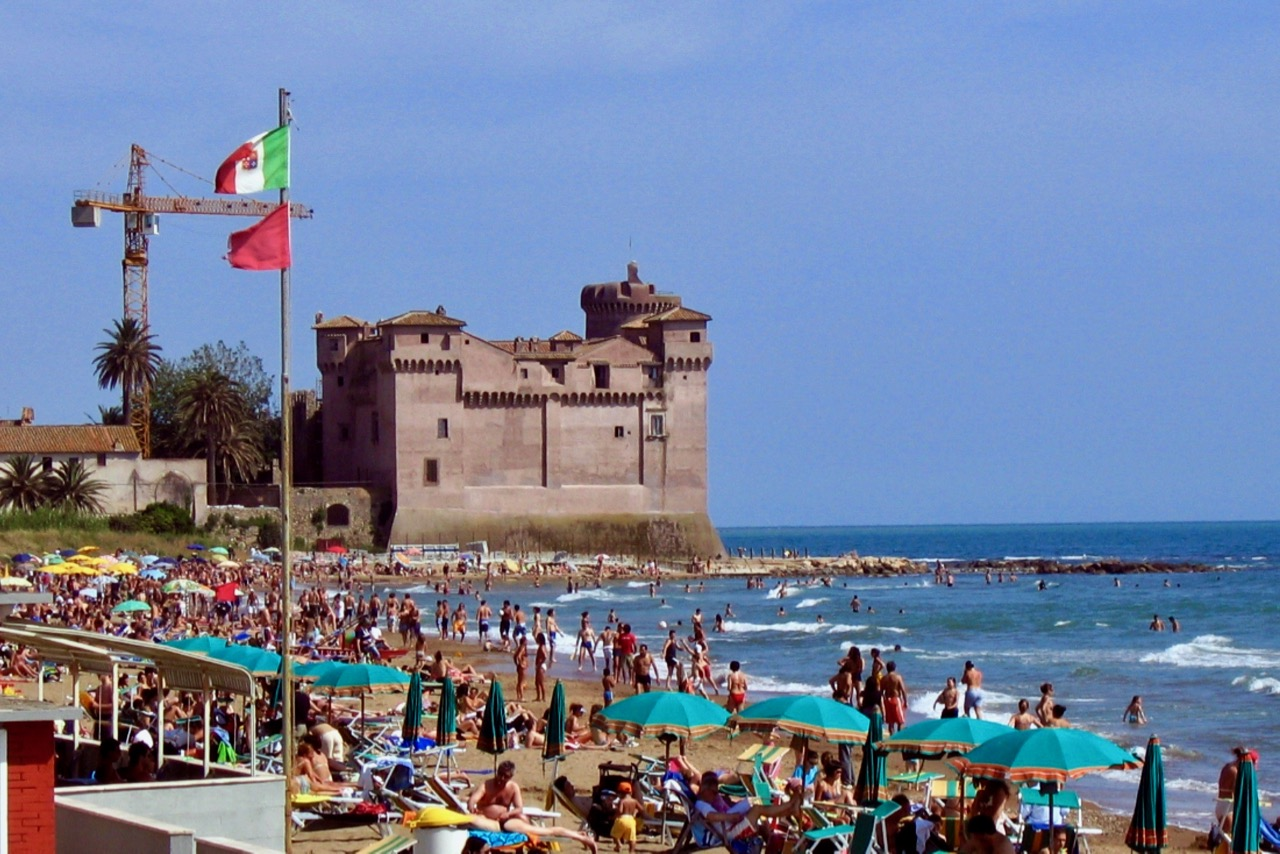 Rome Beaches How To Beat The Heat In Rome