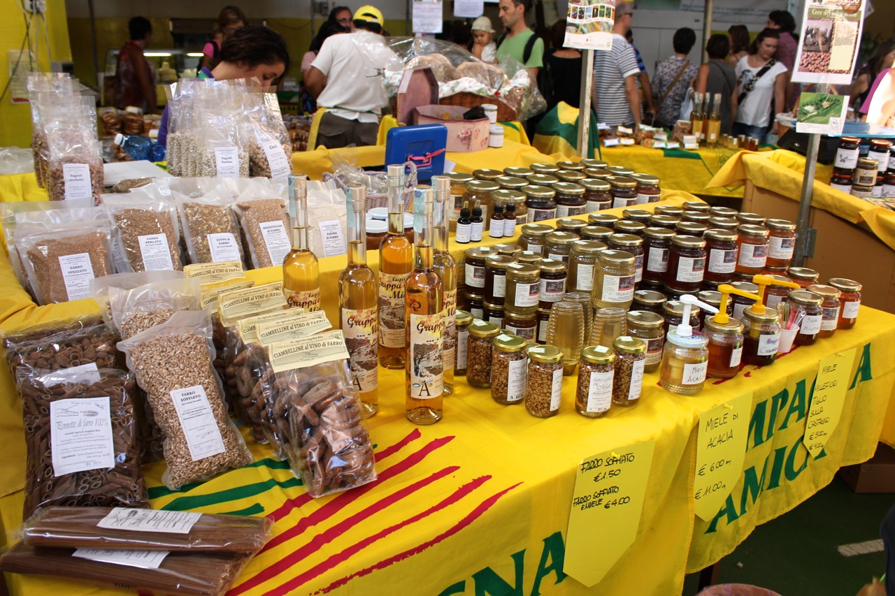 honey, jams and other local products at campagna amica