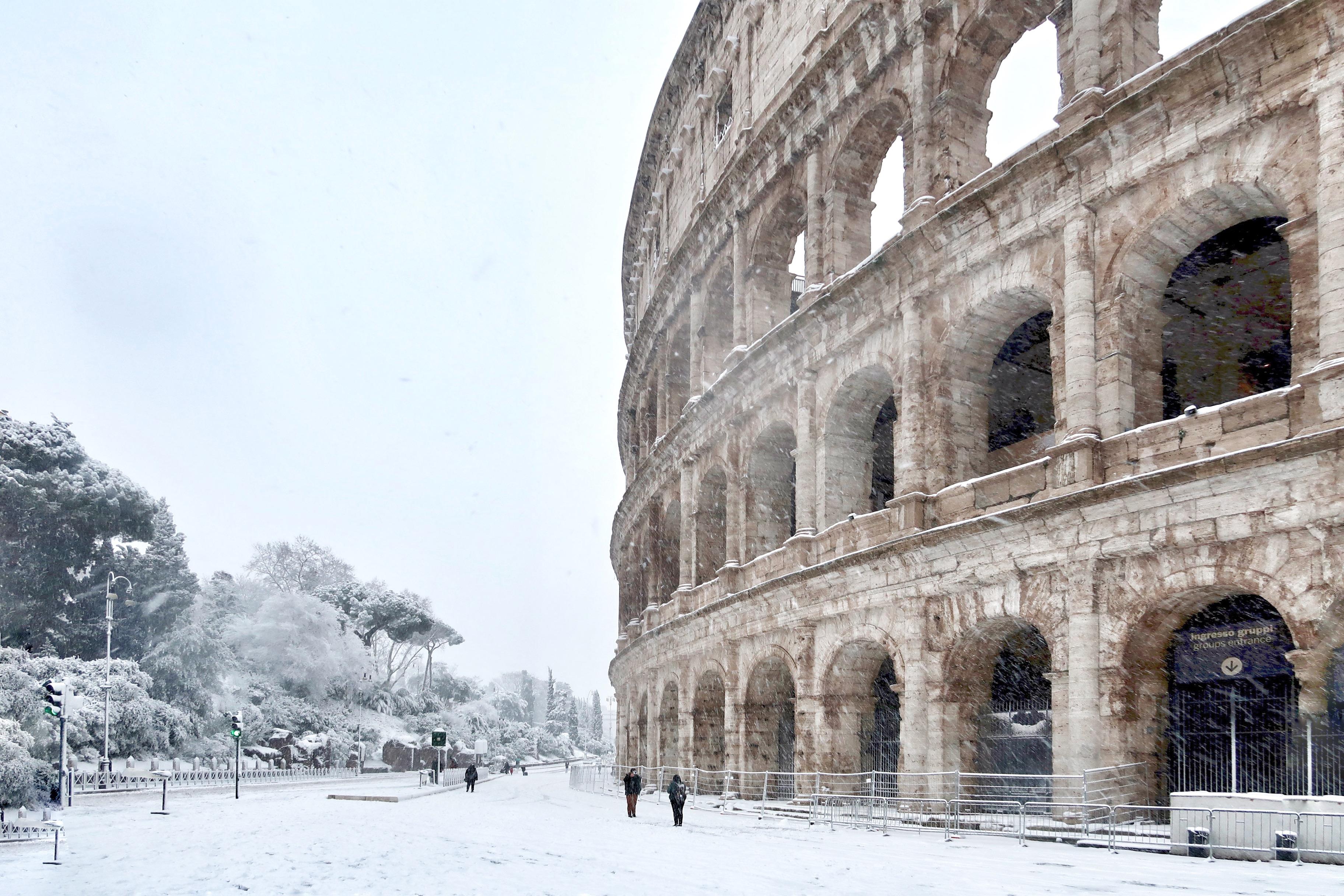 colosseum snow