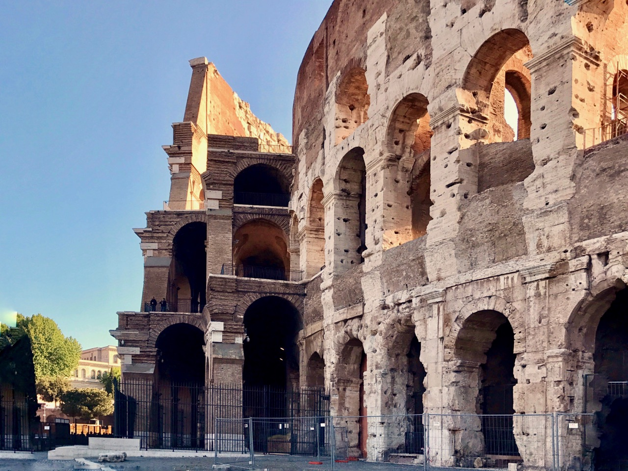 the inner shell and outer wall of the Rome colosseum