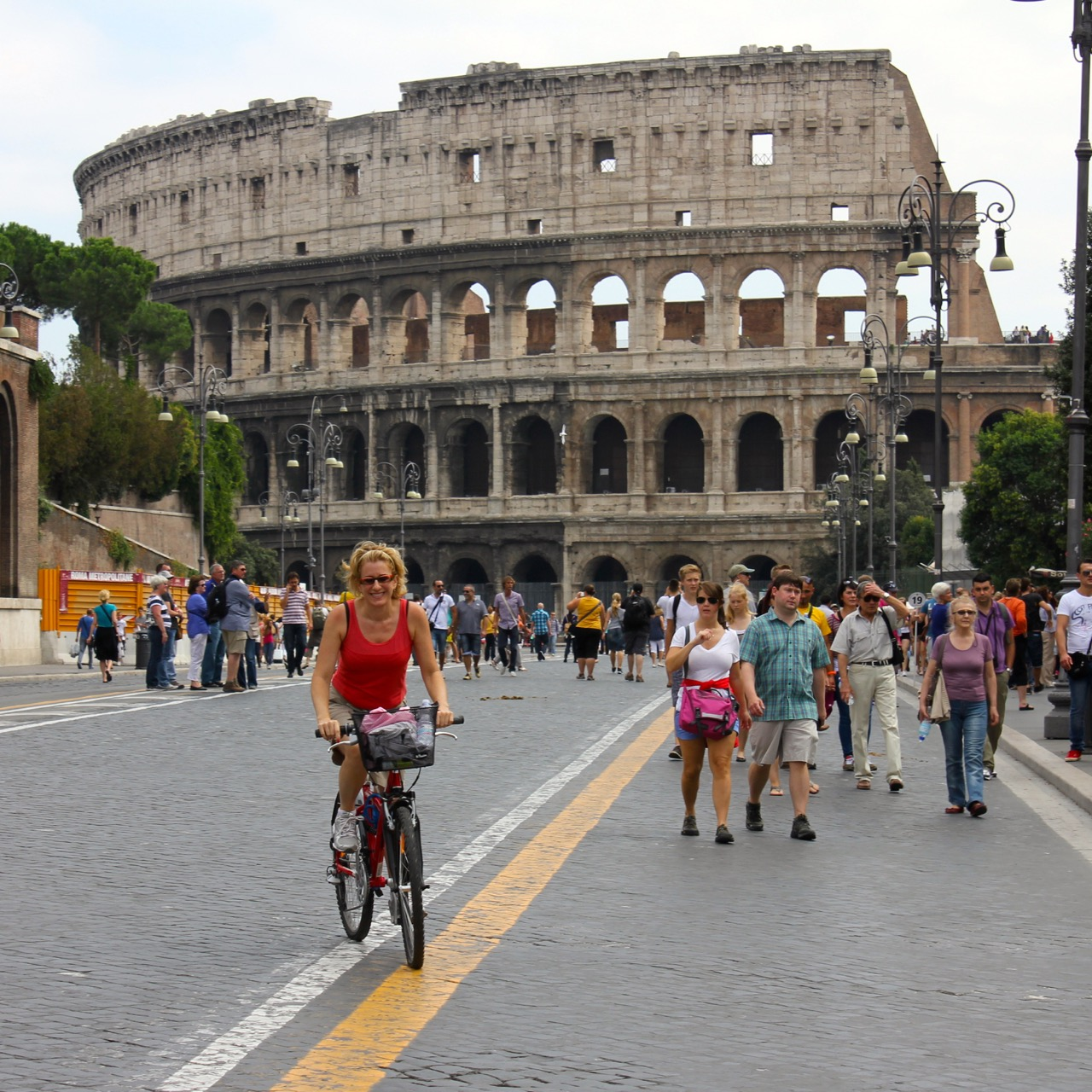 elyssa bike riding colosseum