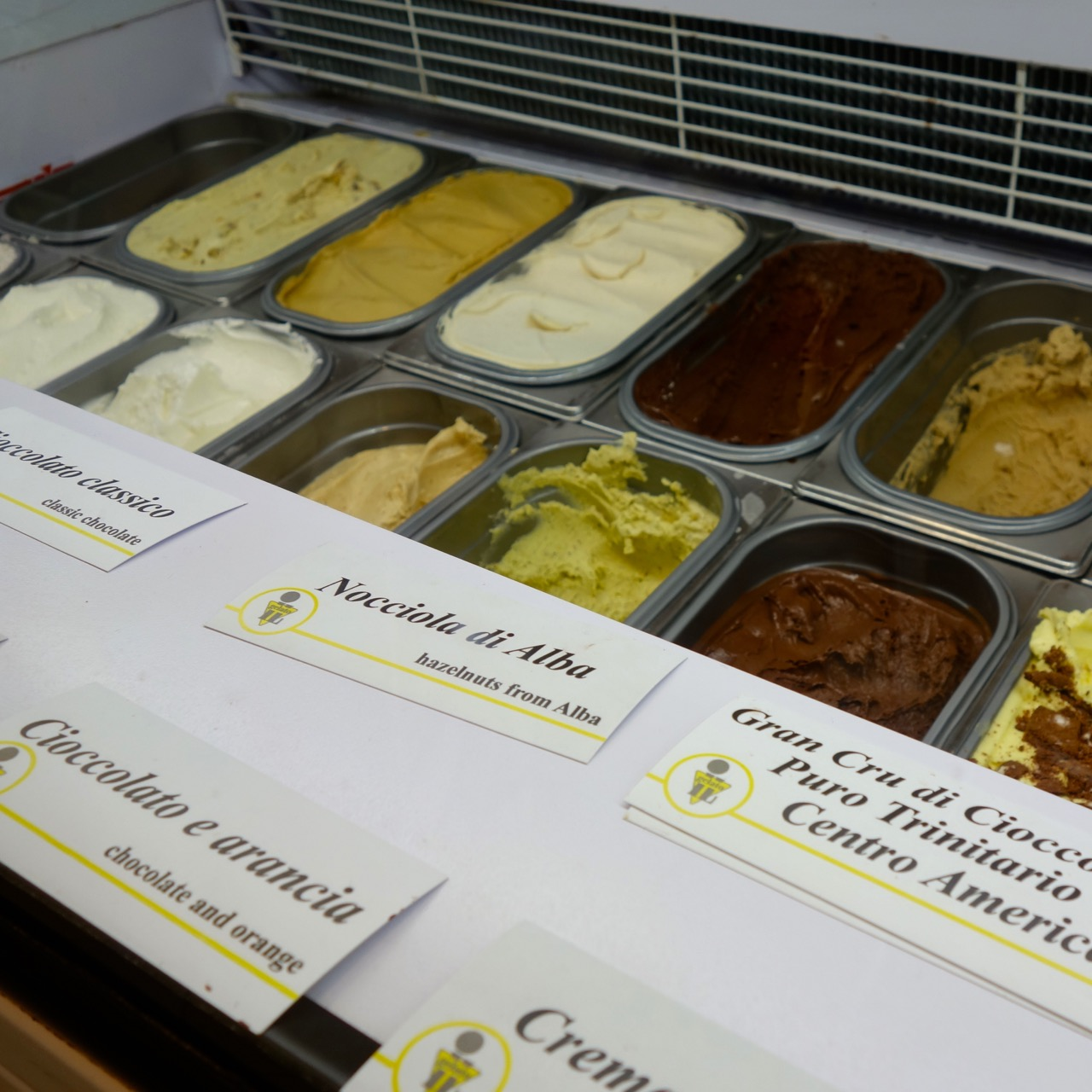 gelato flavors at claudio torce