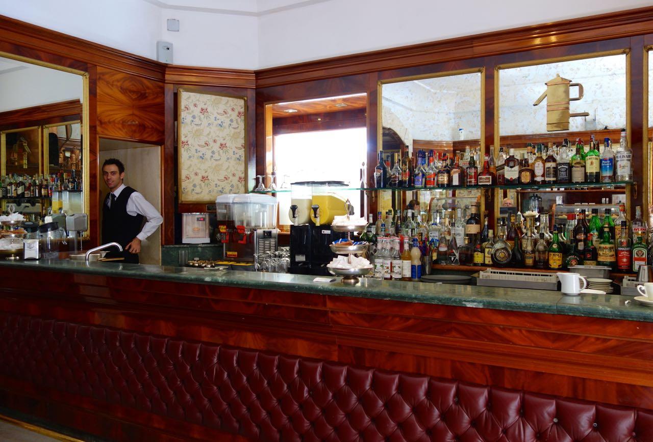 gran caffe coffee bar  in piazza di pietra