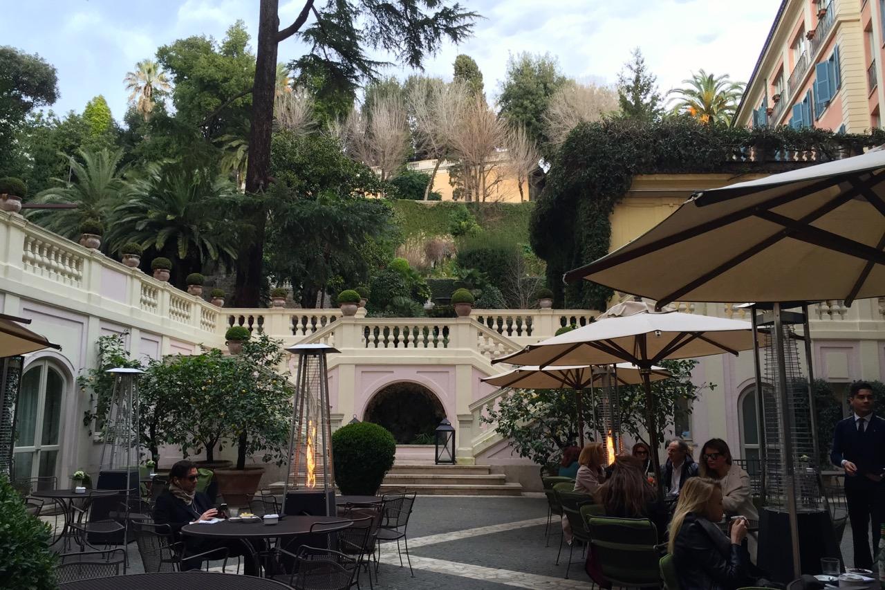 hotel de russie stravinskij bar outside patio