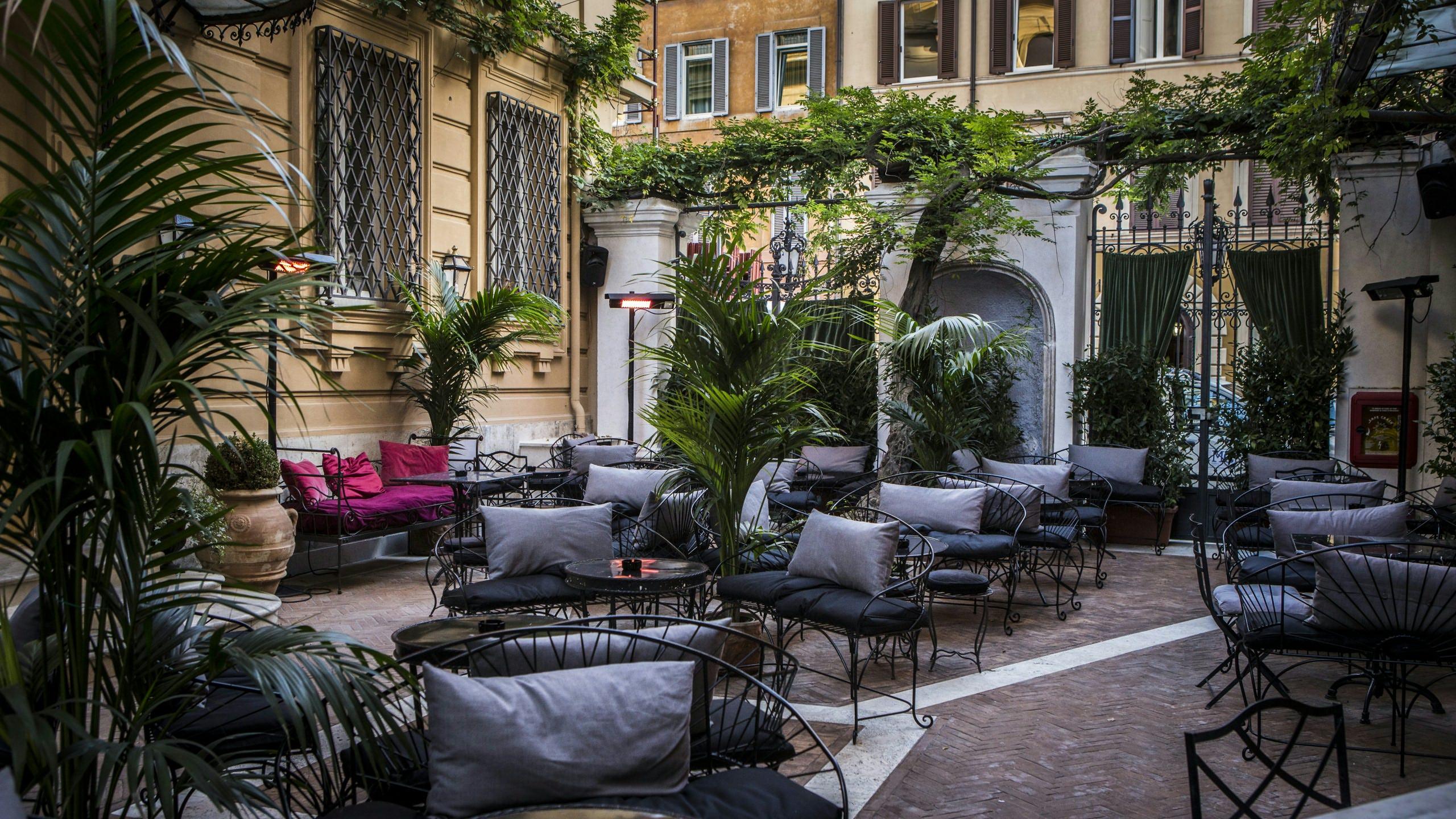 hotel locarno outside lounge