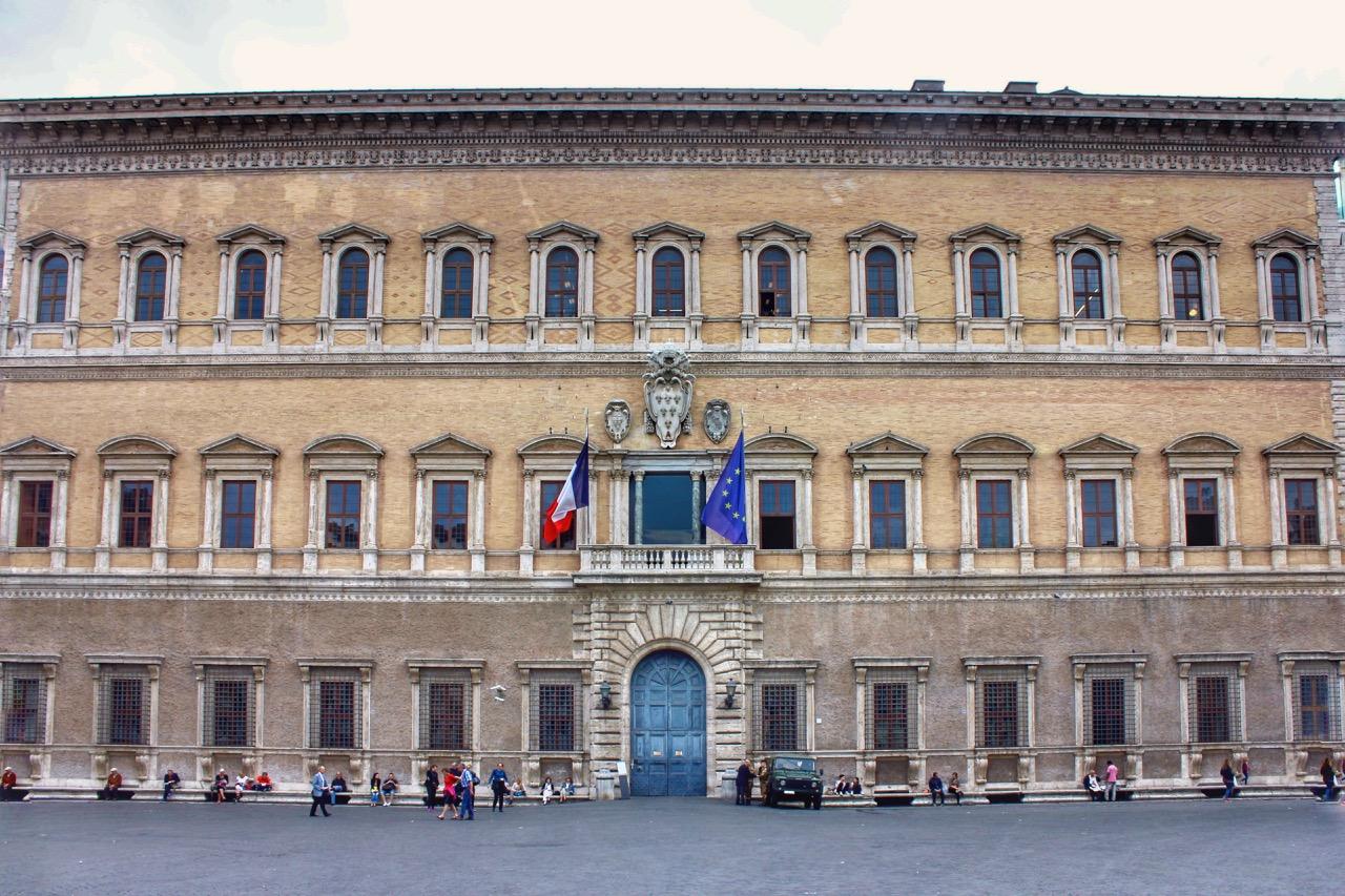 palazzo farnese in rome