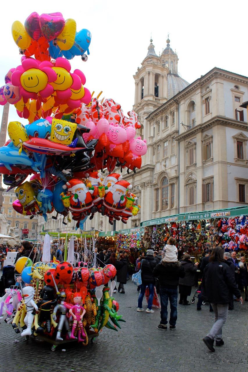 piazza navona december