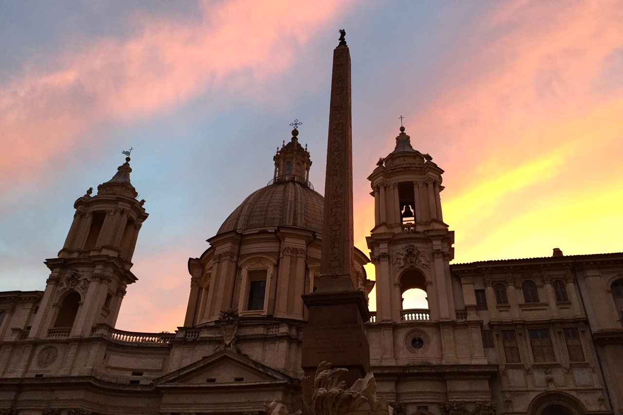 sunset in piazza navona