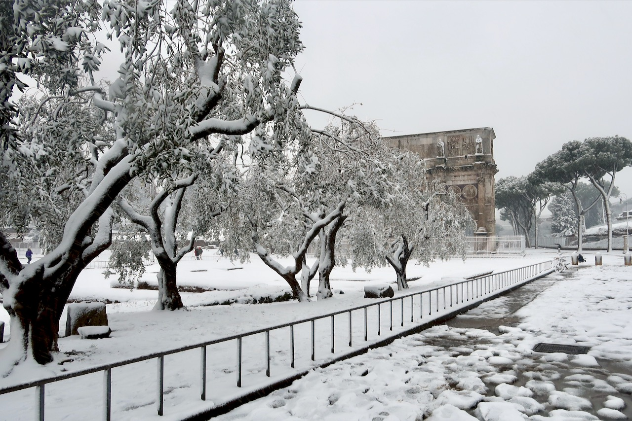 arch of Constantine with snow