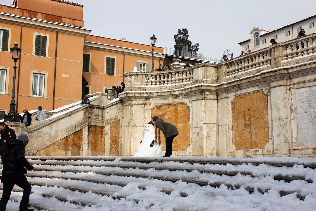 Spanish Steps snowman
