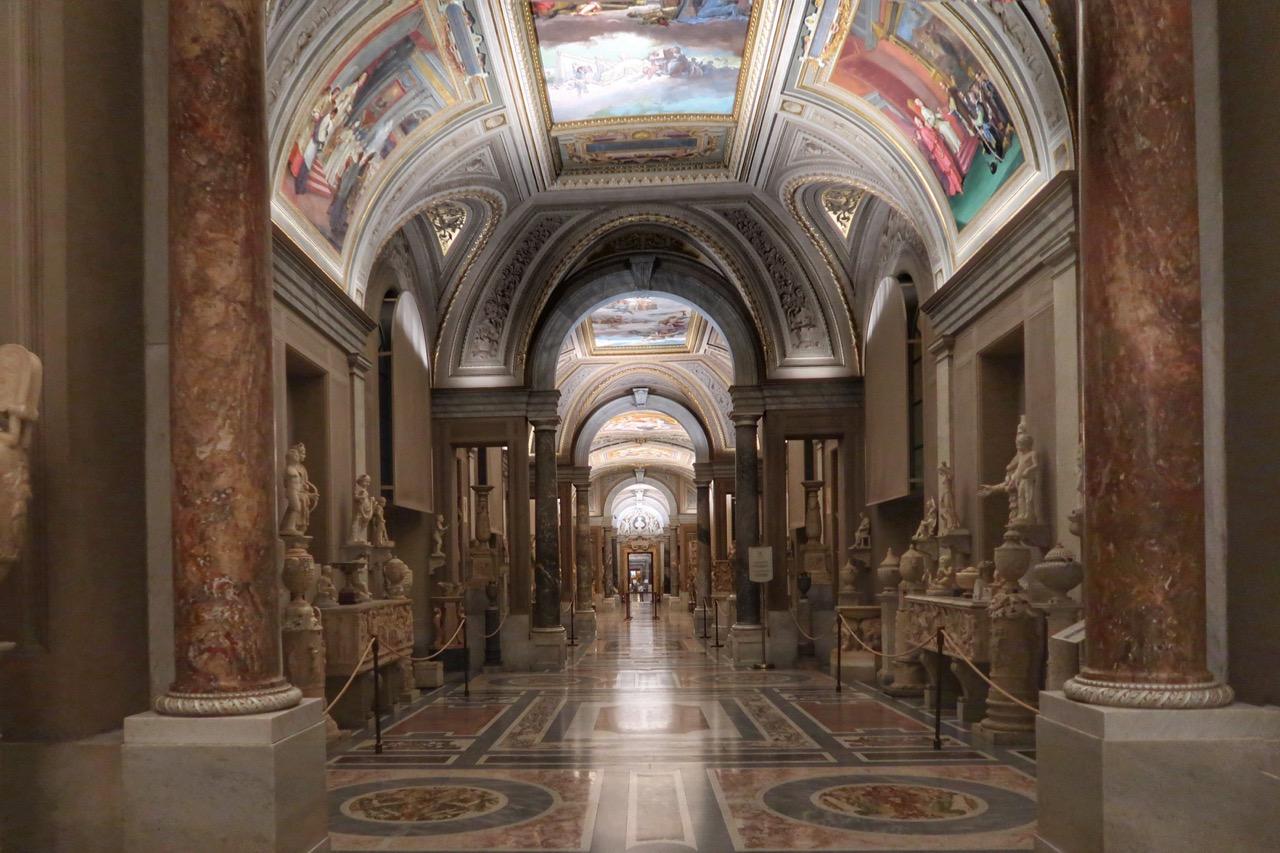 vatican museums candelabra room