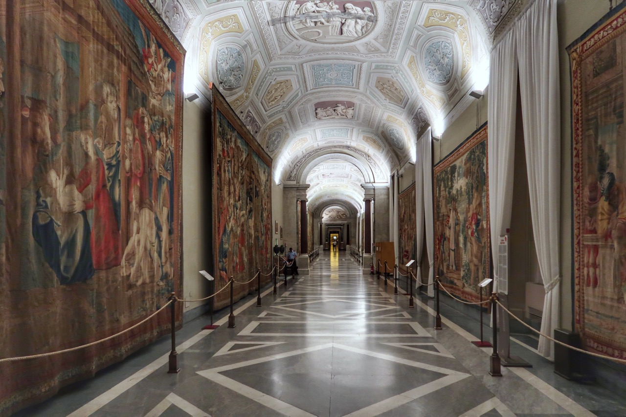 vatican museums tapestries room with NO crowds