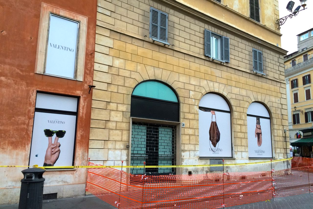 new valentino shop where american express in rome once was