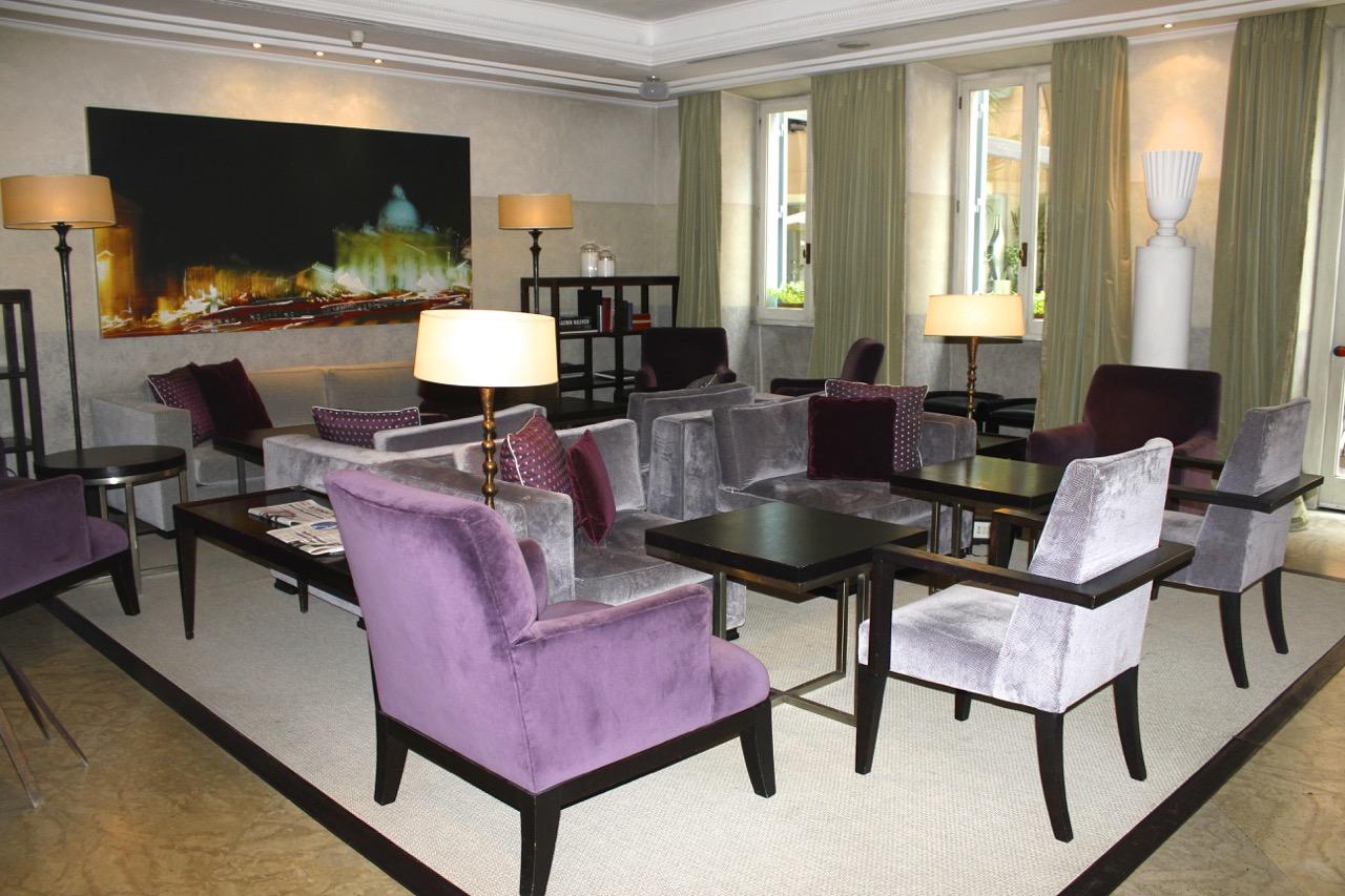 inside hotel de russie's stravinskij bar