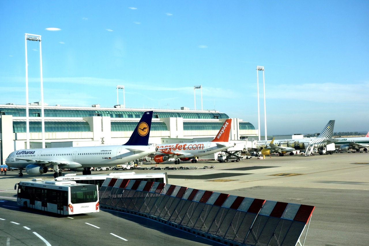 jets at fiumicino airport