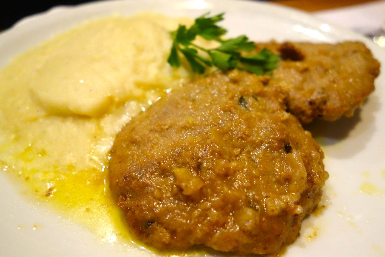 polpette with puree of potatoes at cul de sac