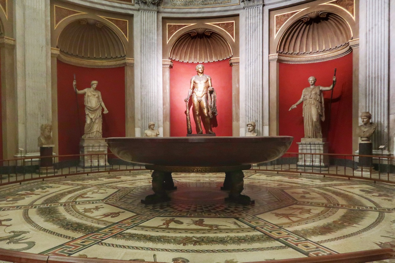 vatican museums rotunda room